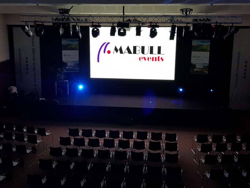 Mabull Events | Serveis | Material audiovisual: Pantalles i projectors